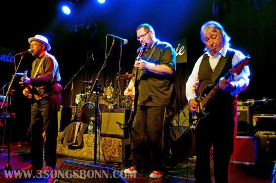 Talented guitar trio: Garner, Van Merwyk
