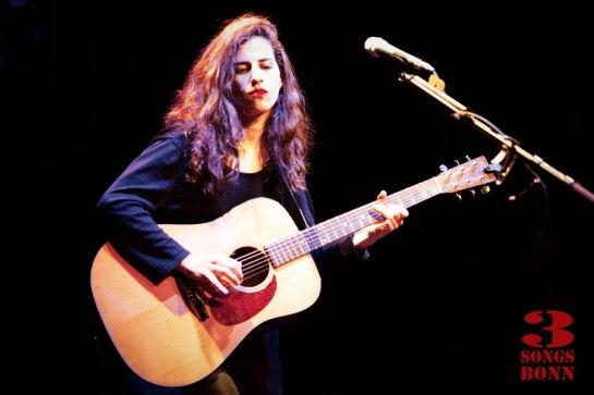 Casting a spell - Tamar Eisenman