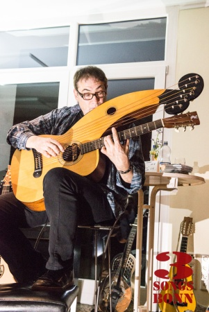 No, not a weapon from 'Total Recall'.  Don Alder and his Holloway Harp Guitar