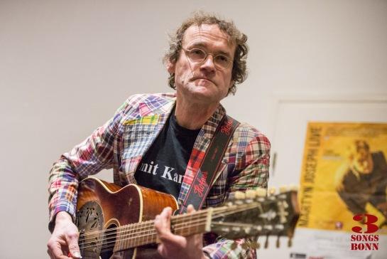 Chris Biedermann and resonator